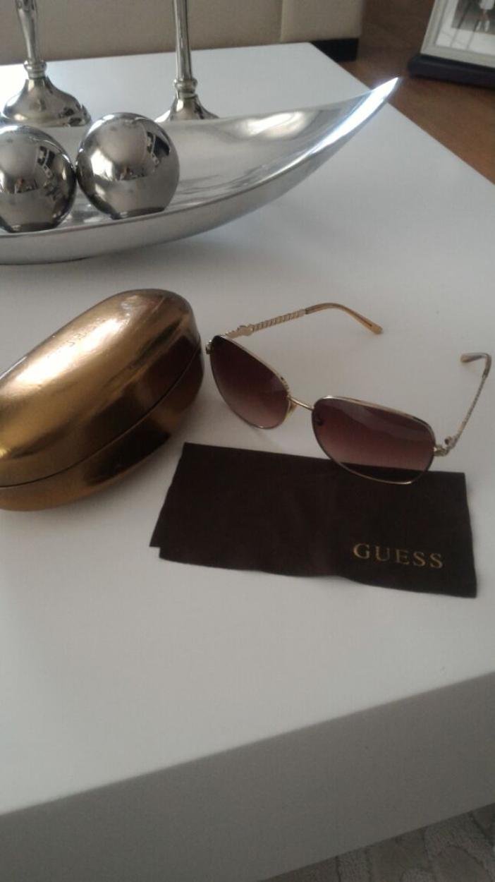 Guess Gözlük