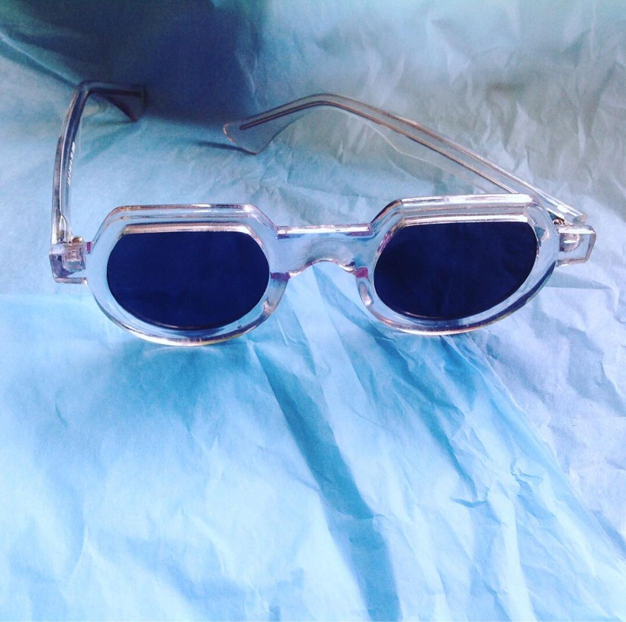 Hi Tek Gözlük