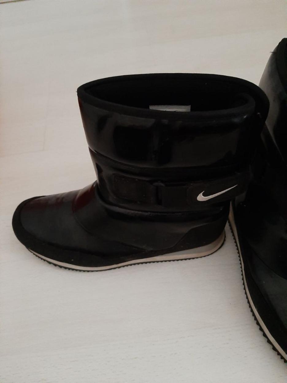 Nike Bot