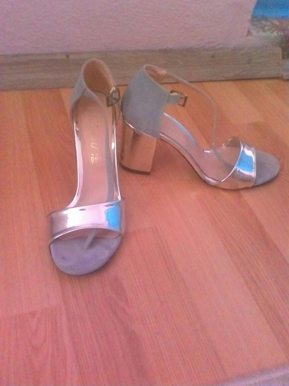 Ayakkabı dünyası Kalın topuklu