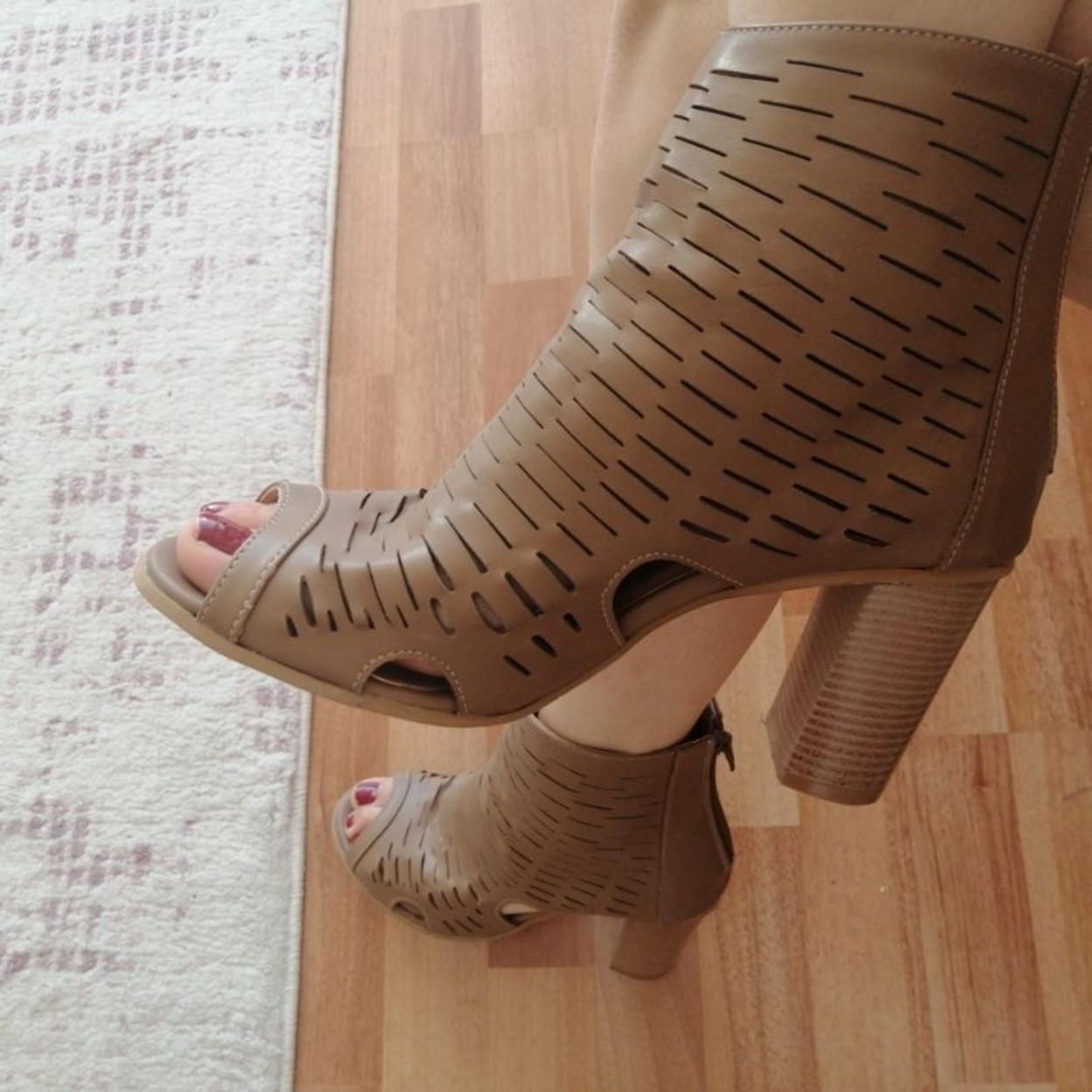 Flo Ayakkabı Kalın Topuklu