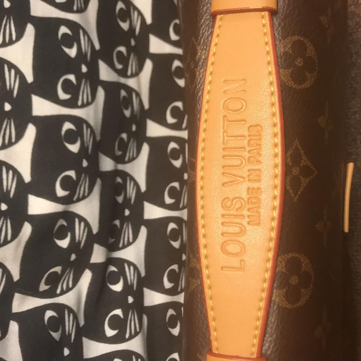 Louis Vuitton Askılı çanta