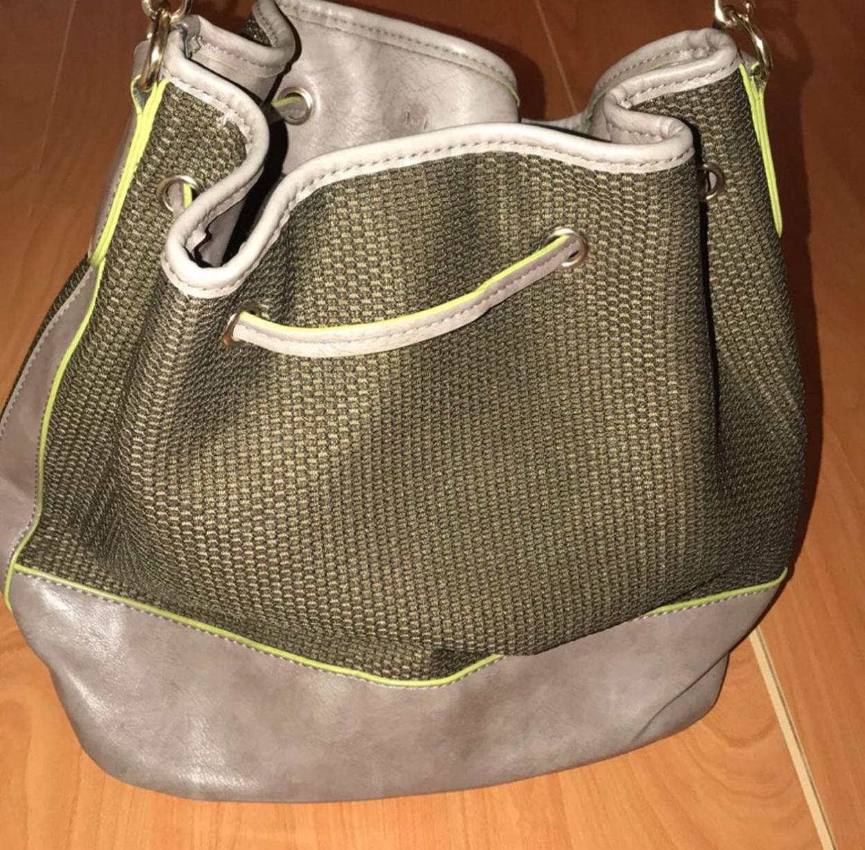 Twist Kol çantası