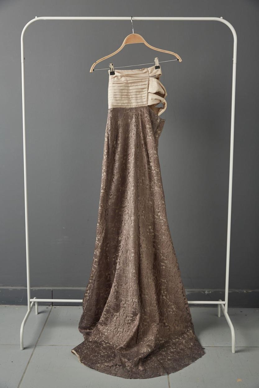 Yasemin Akat Uzun Elbise