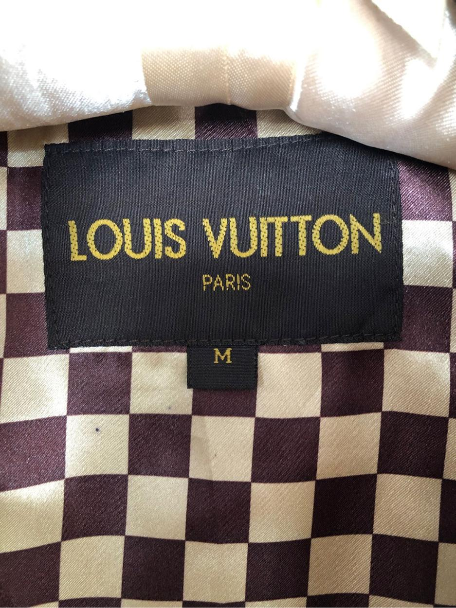 Louis Vuitton Yağmurluk