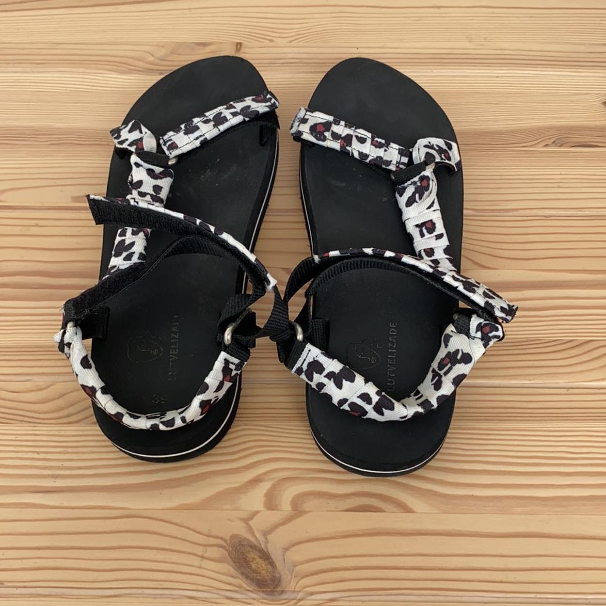 Lutvelizade Sandalet